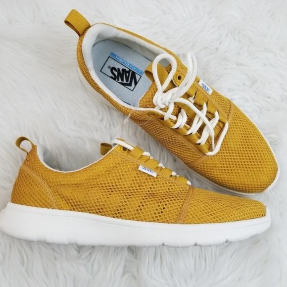 1ab4cdba3c2 Vans Gold Athletic Mesh Shoes Mens 10 NIB